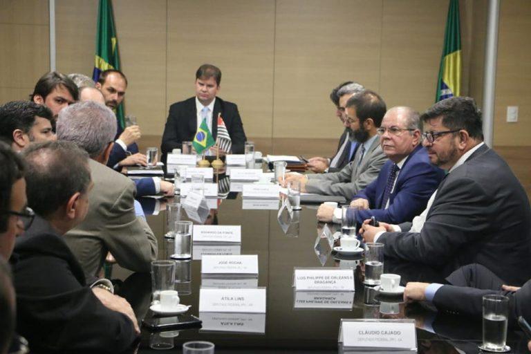 Eduardo Bolsonaro, Hildo Rocha e demais membros da CREDN buscam benefícios para Alcântara, junto ao ministro Canuto