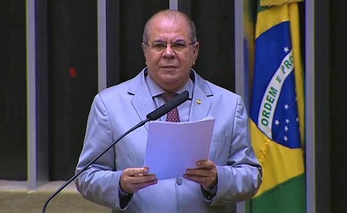 Hildo Rocha homenageia professores, em Sessão Solene da Câmara