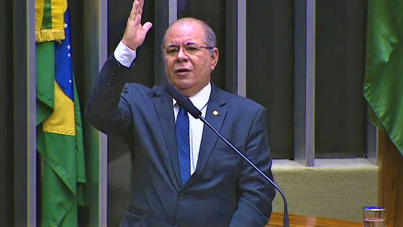 A importância dos servidores públicos é lembrada por Hildo Rocha, em Sessão Solene alusiva à categoria
