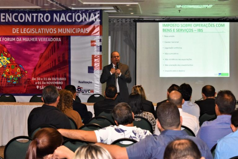 Durante Seminário com legisladores municipais, Hildo Rocha destaca atos de sua autoria que geram recursos financeiros para os municípios