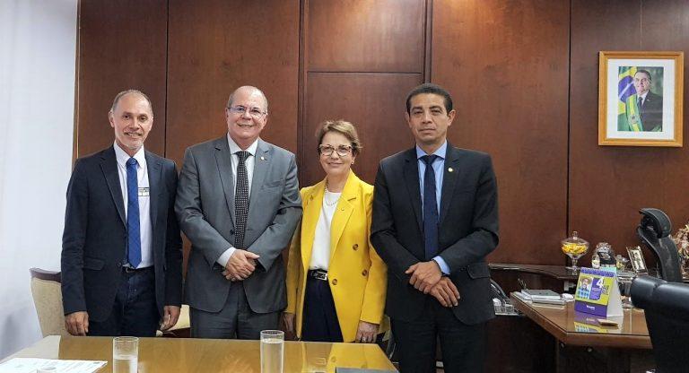 Deputado Hildo Rocha vai ao ministério da Agricultura em busca de recursos para municípios maranhenses