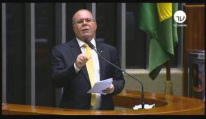 Auxílio emergencial do governo Bolsonaro ampara trabalhadores e aquece economia maranhense na pandemia, afirma Hildo Rocha.