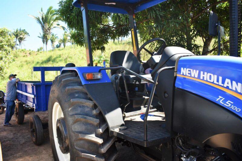 Hildo Rocha e C%C3%A9sar Pires entregam patrulha agr%C3%ADcola ao Sintraf de Lago dos Rodrigues 6 - Hildo Rocha e César Pires entregam patrulha agrícola ao Sintraf de Lago dos Rodrigues