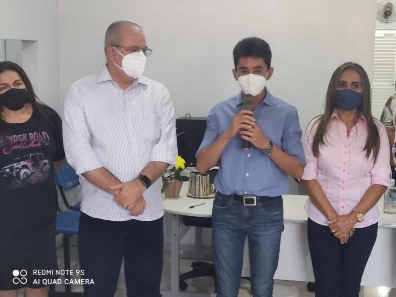 FOTO 6 5 - Hildo Rocha e Cicin inauguram moderno Centro de Convivência e entregam Van para Assistência Social de Estreito - minuto barra