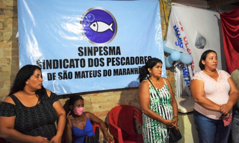 FOTO 4 %E2%80%A2 Hildo Rocha entrega caminh%C3%A3o para pescadores de S%C3%A3o Mateus - Hildo Rocha entrega caminhão para pescadores de São Mateus e equipamentos agrícolas para produtores em Imperatriz - minuto barra