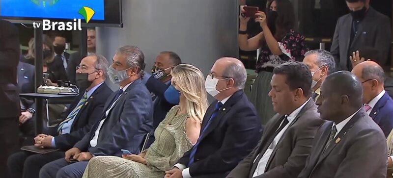 FOTO 3 %E2%80%A2 Deputado Hildo Rocha presidente da FPAHP - Bolsonaro convida Hildo Rocha para lançamento de programa que ofertará crédito habitacional para reforma de moradias em assentamentos - minuto barra