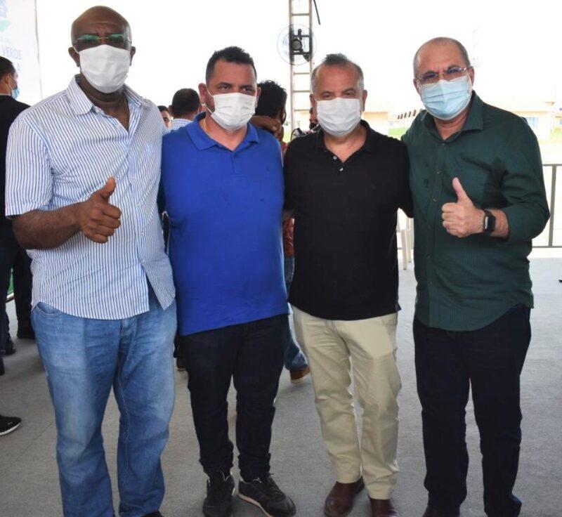 Prefeitos Zé Martinho (Cantanehde) e Rodrigues da Iara (Nina Rodrigues) com o Ministro Rogério Marinho e o deputado federal Hildo Rocha.