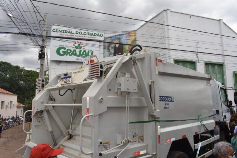 Hildo Rocha entrega caminhao compactador de lixo para prefeitura de Grajau 4 - Hildo Rocha entrega caminhão compactador de lixo para prefeitura de Grajaú